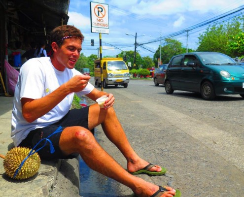 There may be no parking here.... but doesn't mean you can't park your butt and eat durian ice cream!! Nice One Davao!!